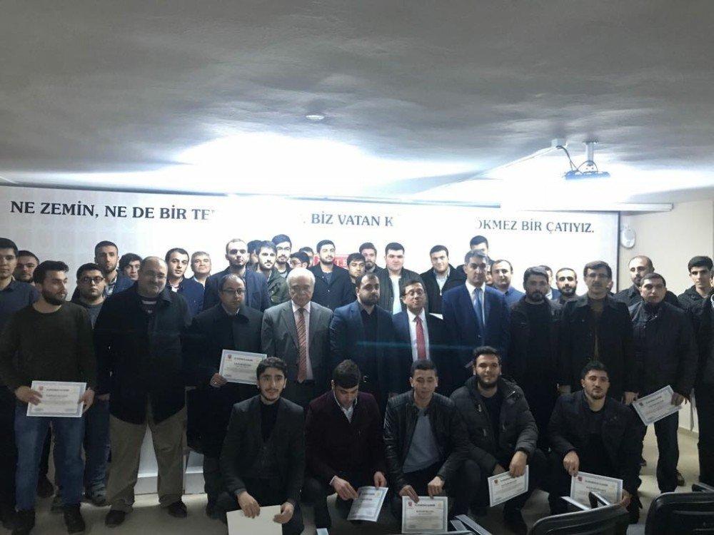 İslami İlimler Akademisini bitirenlere sertifikaları verildi