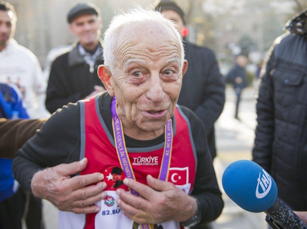 82. Atatürk Koşusu'na Kahraman Dede Damga Vurdu