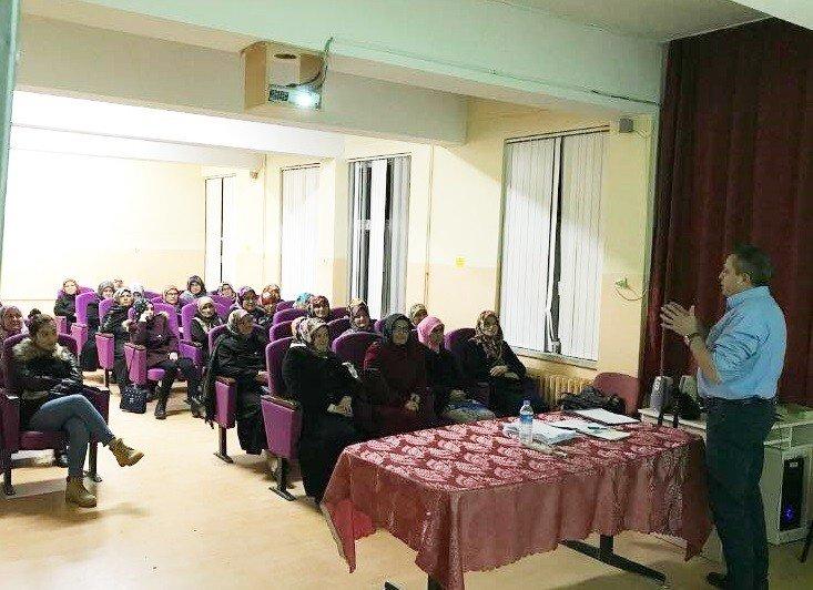 Hisarcık'ta açılan Girişimcilik Kursu'na yoğun ilgi
