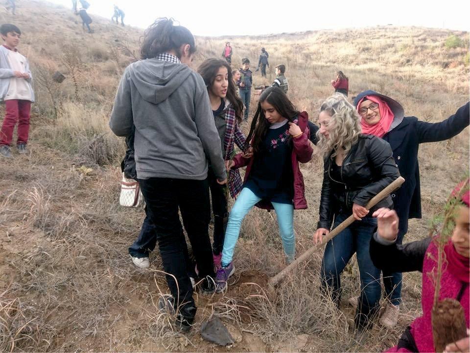 Kahta Gazi Ortaokulu fidan dikti