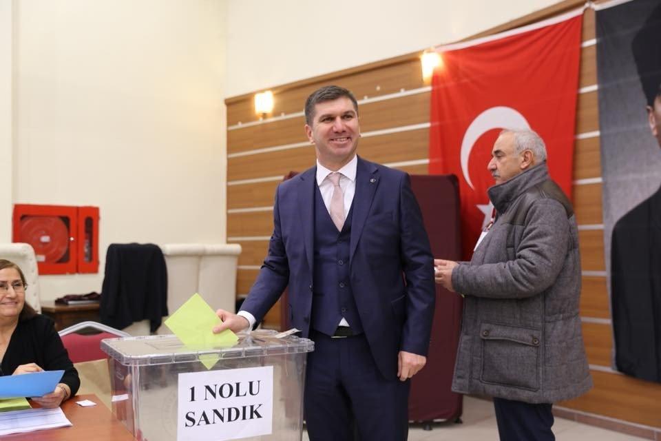 CHP Burdur İl Başkanlığına Osman Gök seçildi