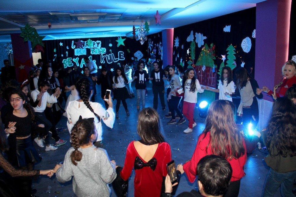 Beyaz Kule Okulları öğrencileri yeni yılı coşkuyla kutladı