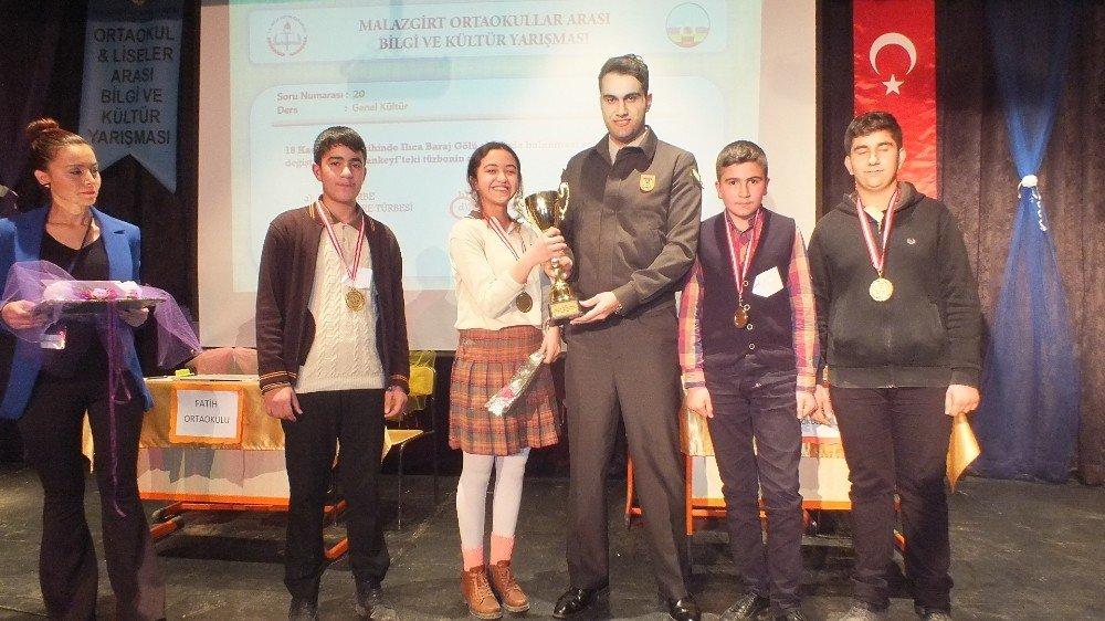 Malazgirt'te okullar arası bilgi yarışması düzenlendi