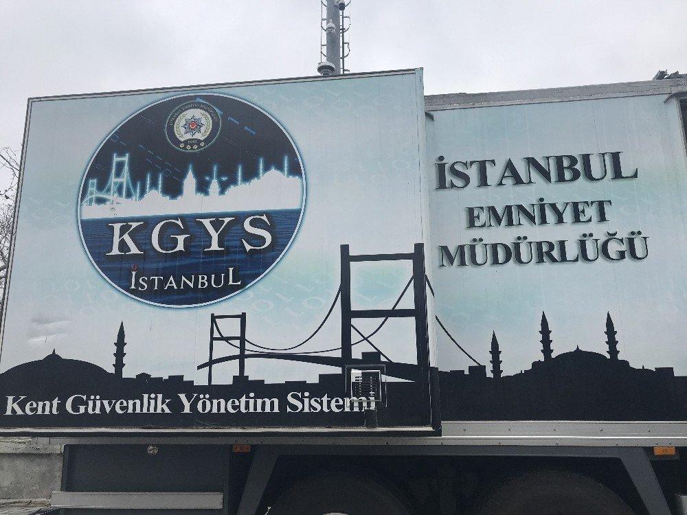 Taksim'de KGYS aracı kuş uçurtmuyor