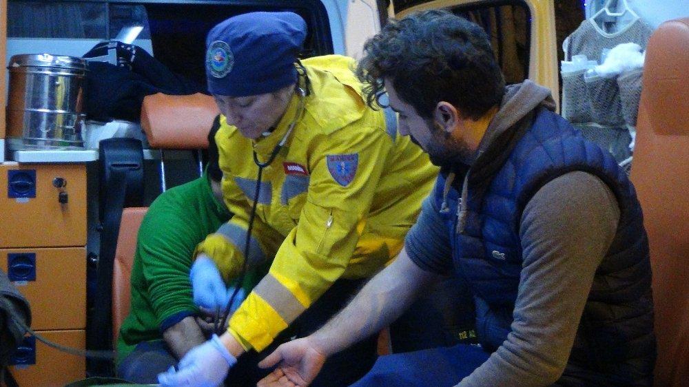 Kayalıklardan düşen genç 5.5 saat sonra kurtarıldı
