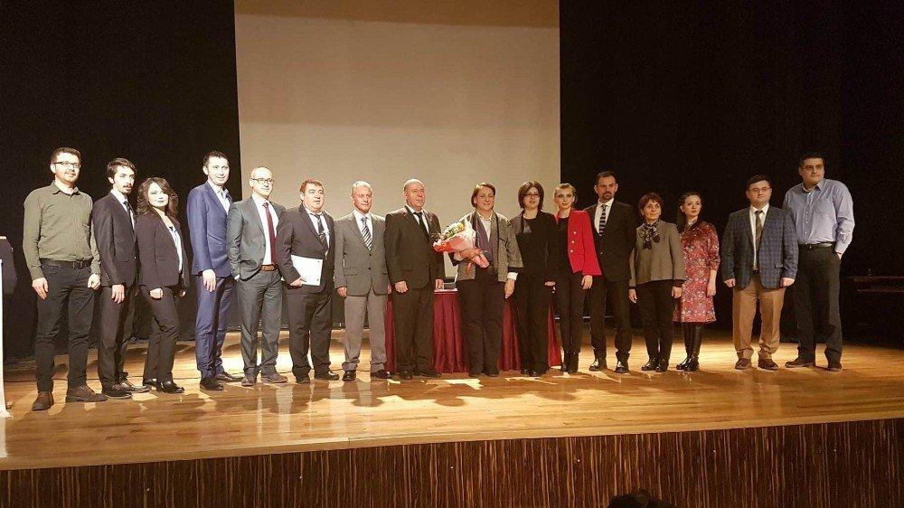 Eskişehir'de ''değişen yeni sınav sistemi'' ve ''sınavlardaki öğrenci psikolojisi'' konulu bilgilendirme toplantısı