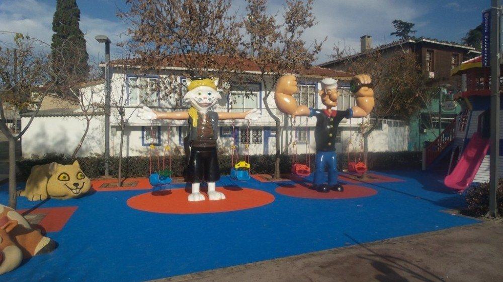 Gebze'de çizgi filim kahramanlı oyun grupları