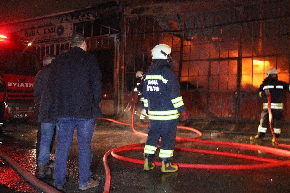 Marangozhanede çıkan yangın beraberinde 3 dükkana zarar verdi