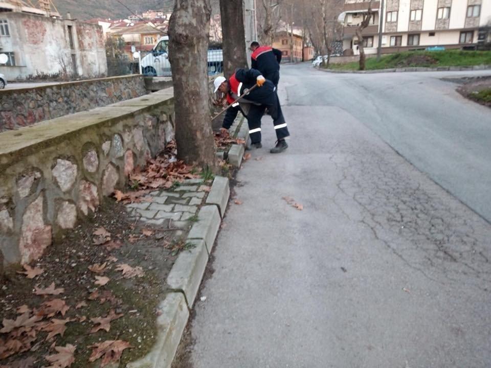 Körfez Belediyesi temizlik çalışmalarına ara vermiyor
