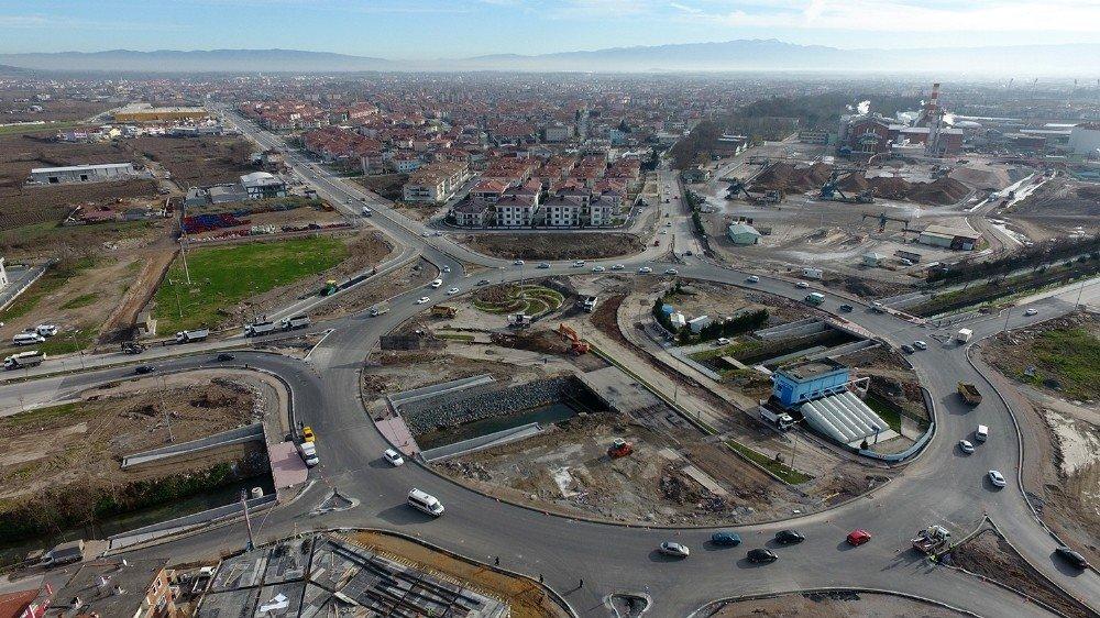 Başkan Toçoğlu, Yazlık Kavşağında süren çalışmaları inceledi