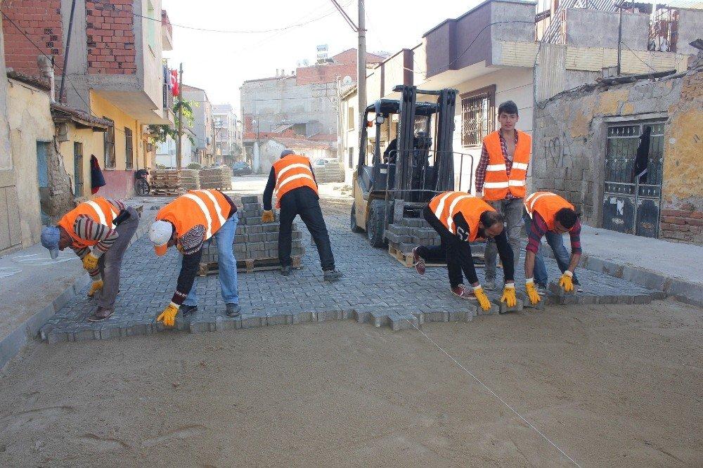 Turgutlu'da geçen yıl 100 bin metrekare parke taşı döşendi
