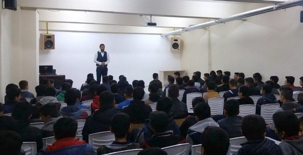 Eğitimci Abdullah Yılmaz'dan motivasyon eğitimi
