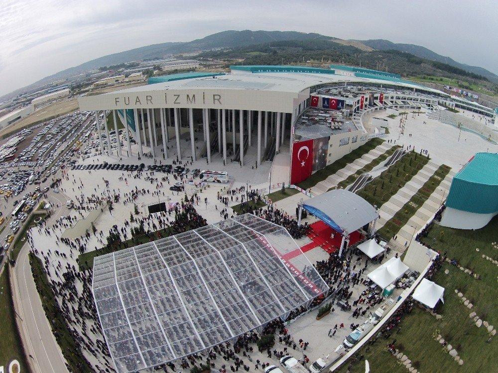 İzmir fuarcılığı göz kamaştırıyor