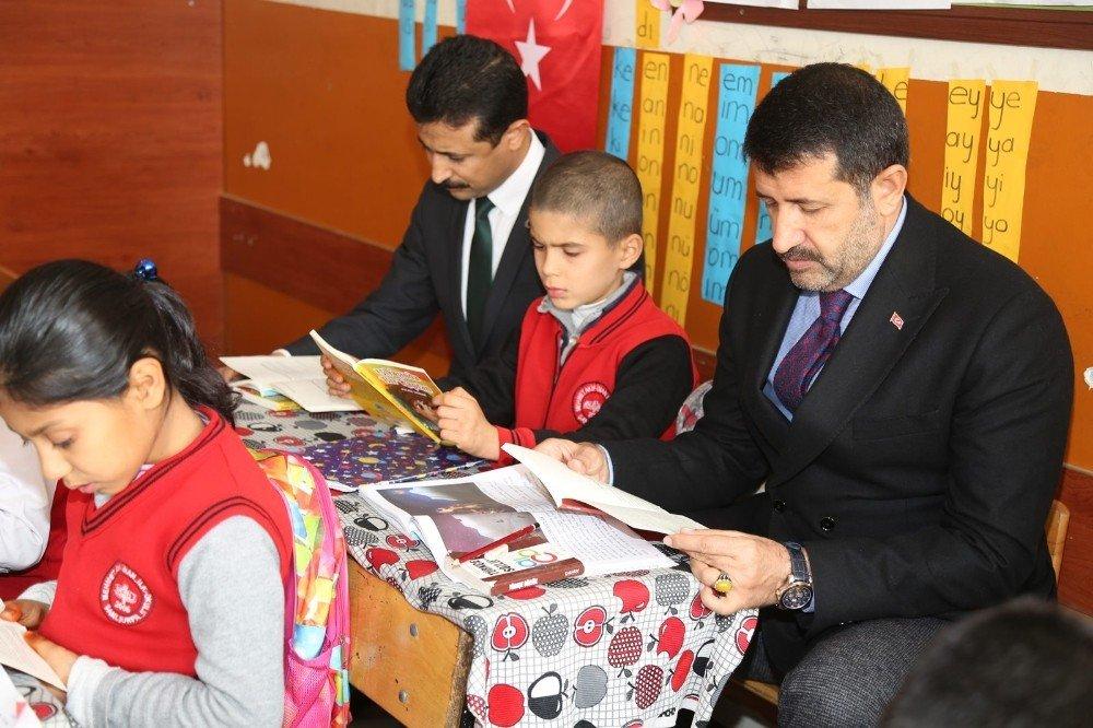 Eyyübiye Belediyesinden öğrencilere 40 bin kitap