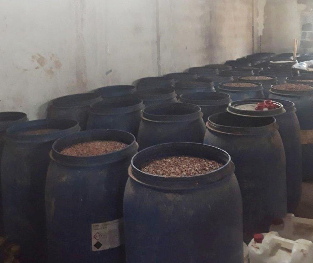 Adana'da 650 bin TL'lik kaçak içki ele geçirildi