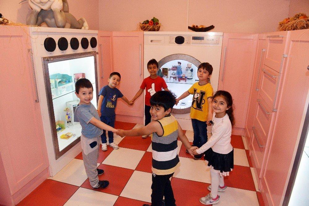 Oyuncak Müzesi çocukları bekliyor