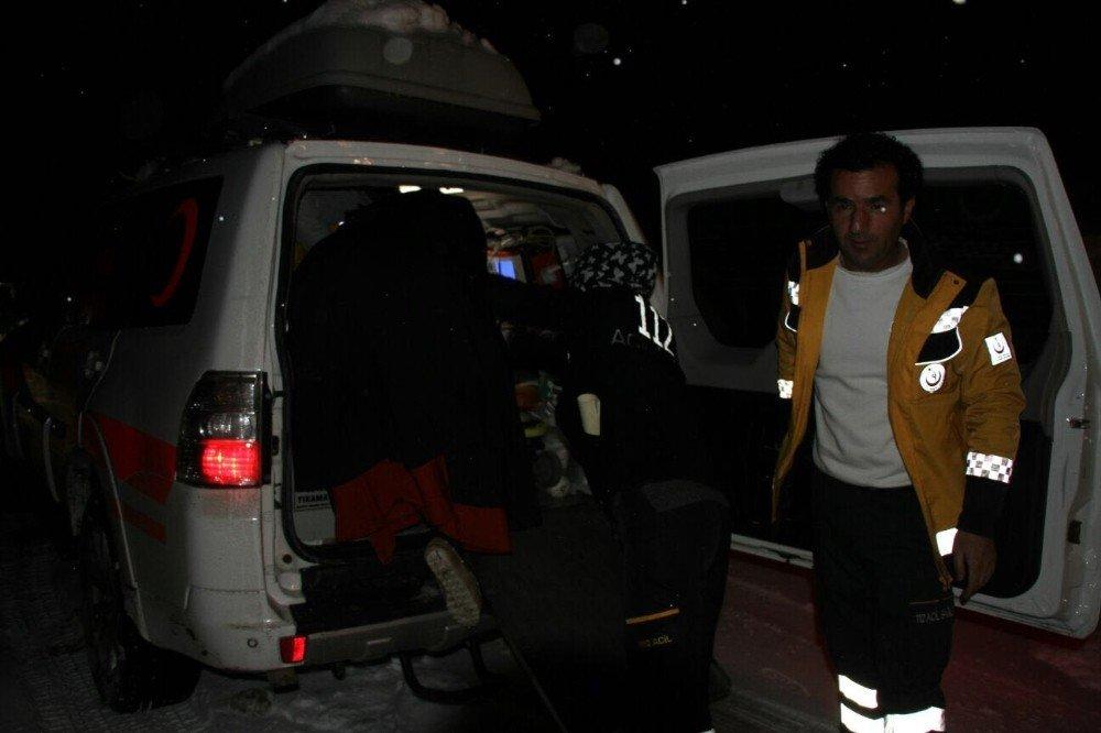 Hizan'da 7 saatlik hasta kurtarma operasyonu