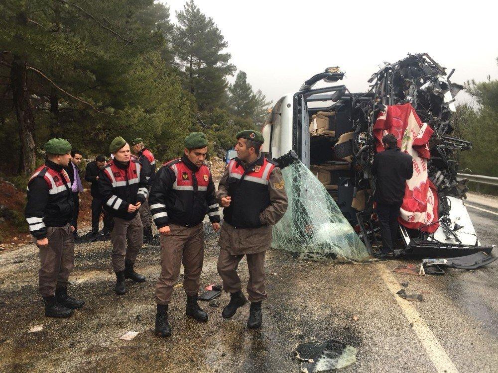 Muğla'da otobüs kazası: 17 yaralı