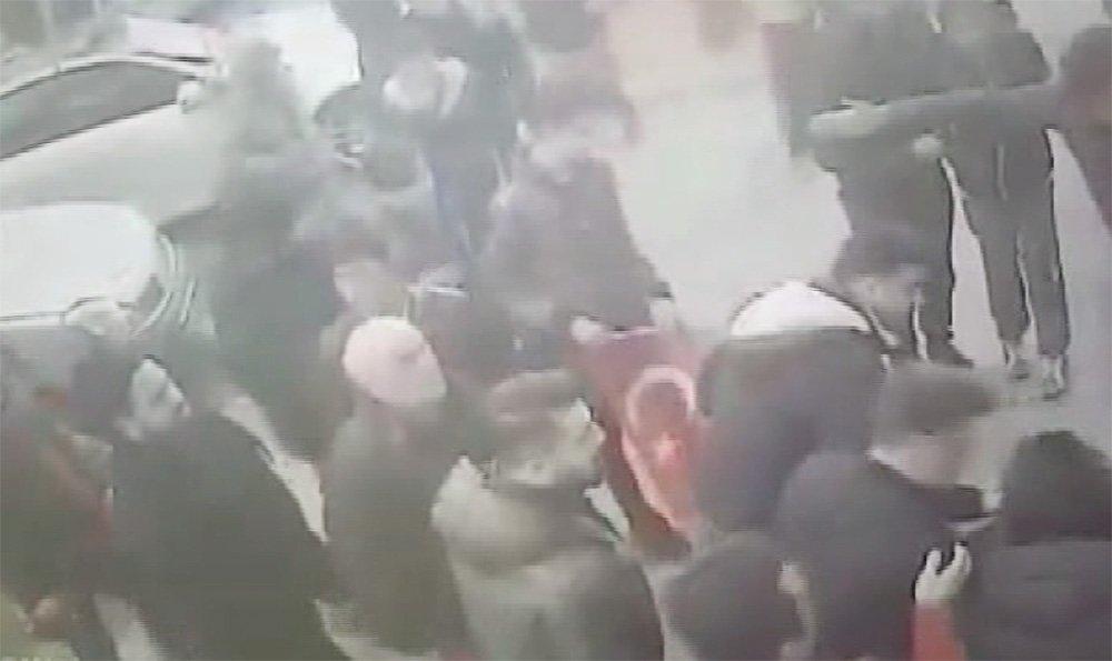 İstanbul'da silahlı saldırı: Mehmetçik'e destek için yürüyorlardı