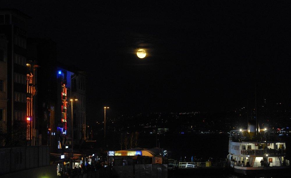Süper Mavi Kanlı Ay havadan görüntülendi