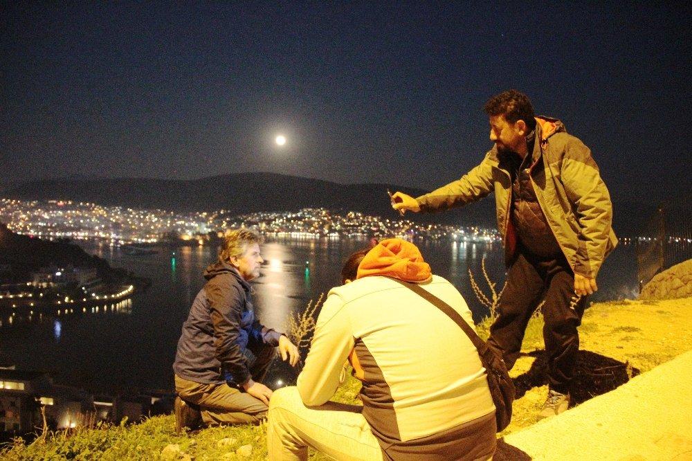 Süper Mavi Kanlı Ay için fotoğraf yarışması