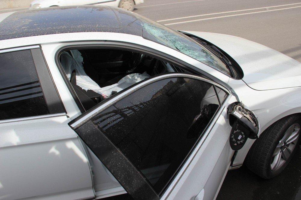 Otomobilin çarptığı adam ağır yaralandı