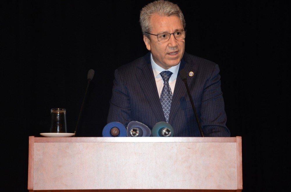 Bakan Özlü'den teknoloji üssü Türkiye vurgusu