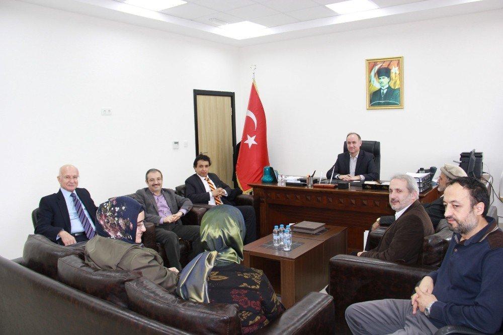 Uluslararası İslam Düşünce enstitüsünden SAÜ'ye ziyaret