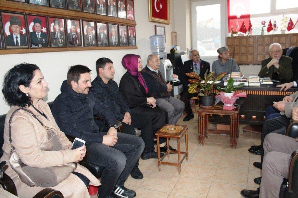 Ayvalık AK Parti'den gazilere anlamlı ziyaret