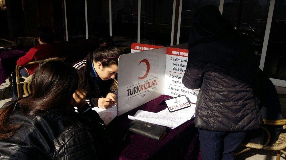 Eğitimciler kan verdi