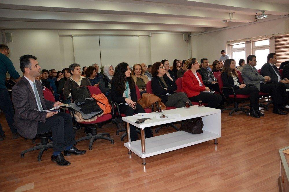 Aydın'da 'Yeterli ve Dengeli Beslenme ve Hareketli Yaşam' semineri yapıldı