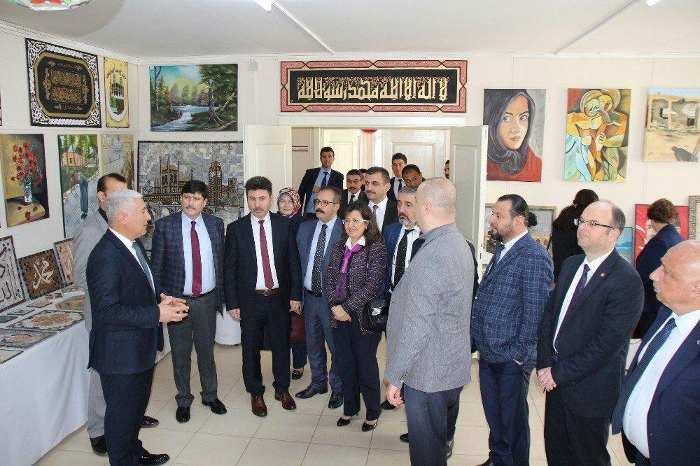 Rektörler Zeytin Dalı Harekatına destek için üniversitede
