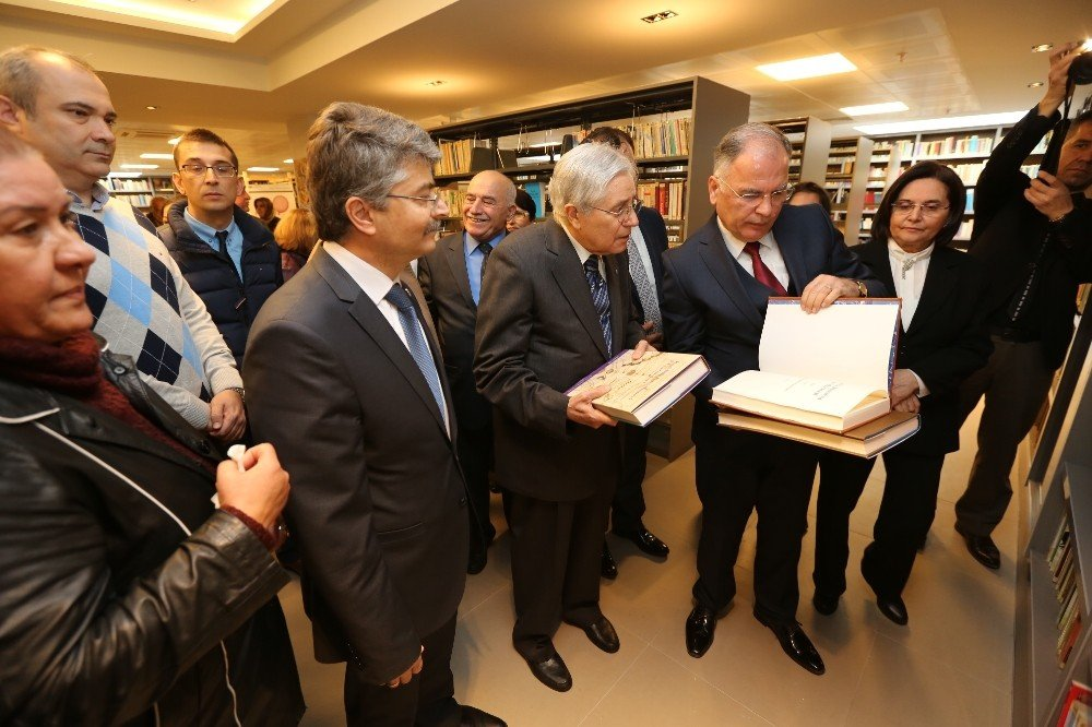 Selçuk Kütüphane ve Sosyal Etkinlik Merkezi açıldı