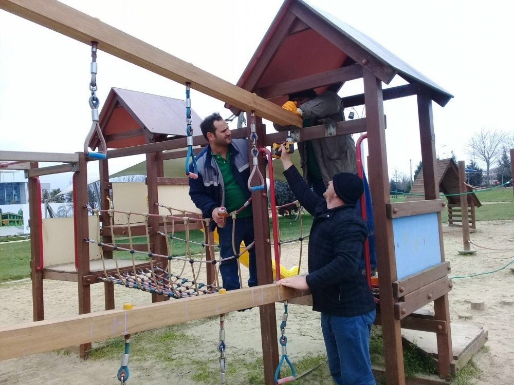 Sekapark'taki oyun gruplarının tadilatı yapılıyor