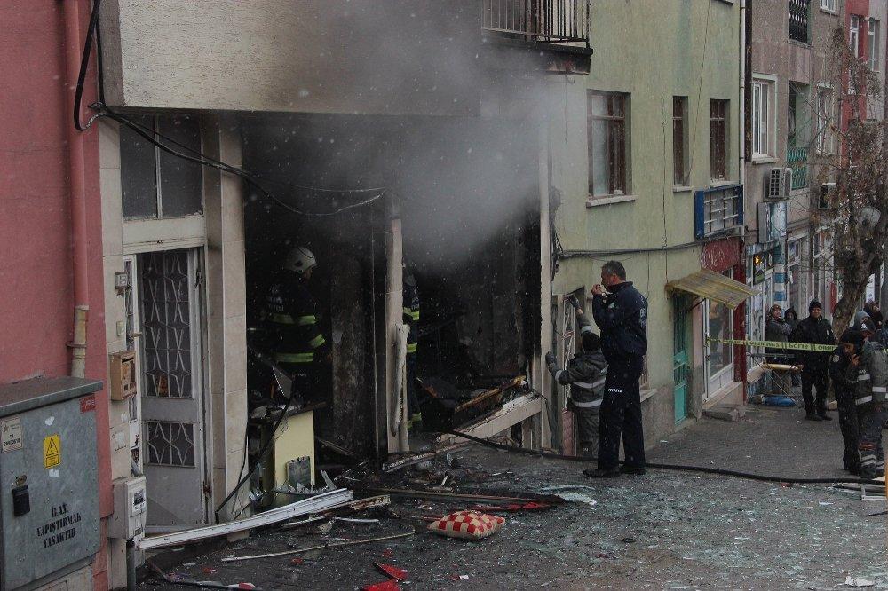 Mobilya Atölyesinde Patlama: 1 Ölü