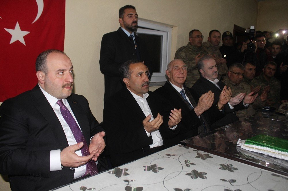 Bakan Varank İki Aşiretin Barış Yemeğine Katıldı