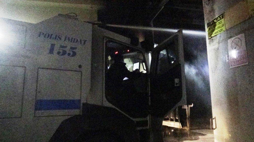Diyarbakır'da Köpük Tabak Fabrikasındaki Yangın Kısa Sürede Söndürüldü