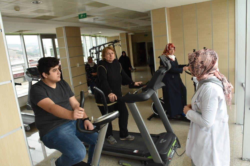 Sağlıklı Zayıflamak İçin Obezitelere Ev Ödevi Veriliyor