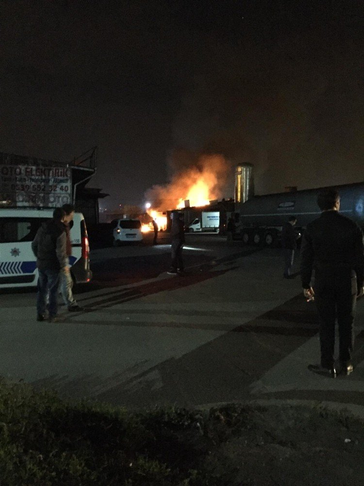 10 Numara Yağ Deposundaki Yangında 1 Kişi Öldü 2 Kişi Yaralandı