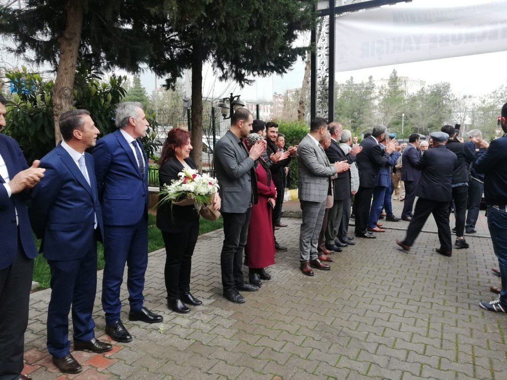 Ak Parti'li Tutaşı, Belediyede İlk Toplantısını Gerçekleştirdi