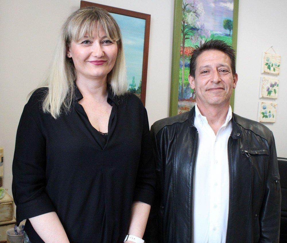 Antalyalı Profesörün 'Roman Olur' Denilen Senaryosu Cannes'te Derece Yaptı