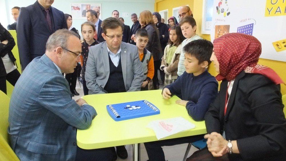 Burhaniye'de Zeka Oyunları Finali Yapıldı