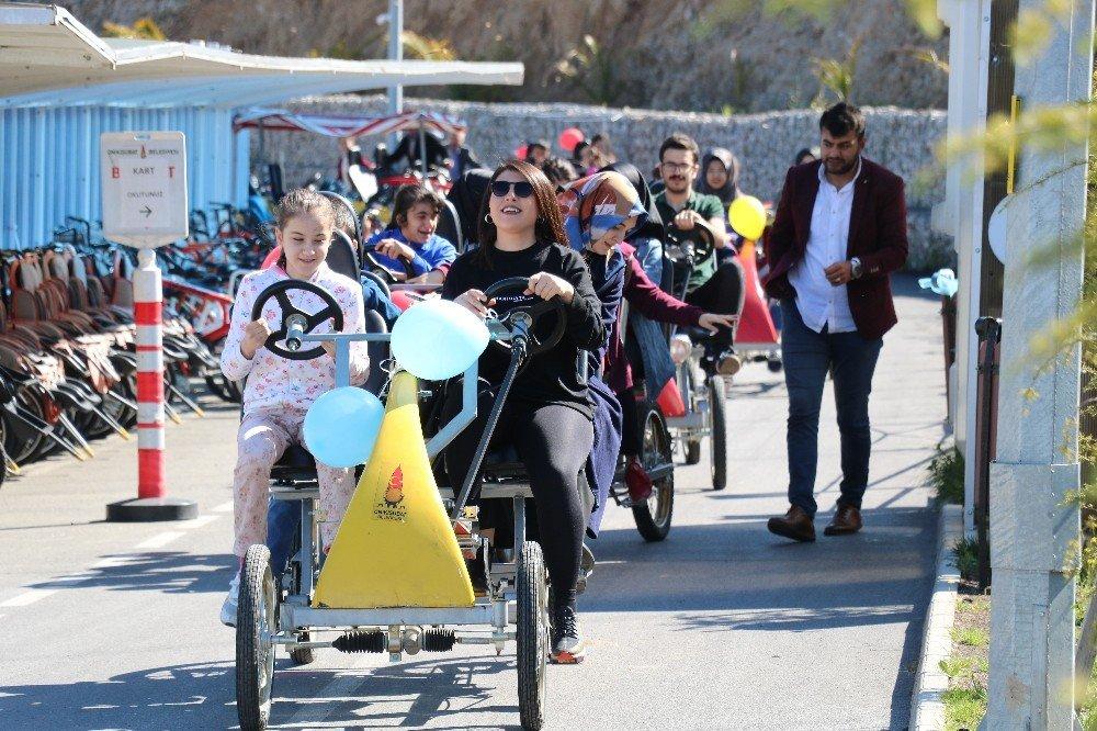 Görme Engellilerin Bisiklet Kullanma Sevinci