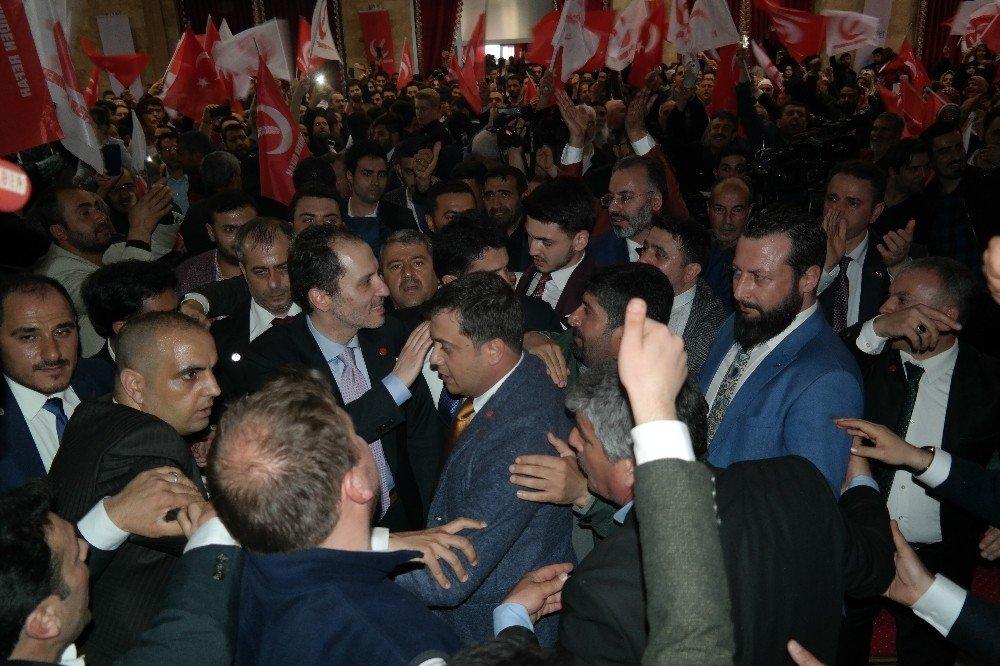"""Erbakan: """"Hocamızı, Siyasete Alet Etmeye Kalkanların Elinden Kurtarmanın Vakti Gelmiştir"""""""