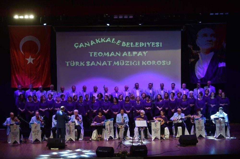 Çanakkale Belediyesi Teoman Alpay Sanat Müziği Korosu Final Konserini Verdi