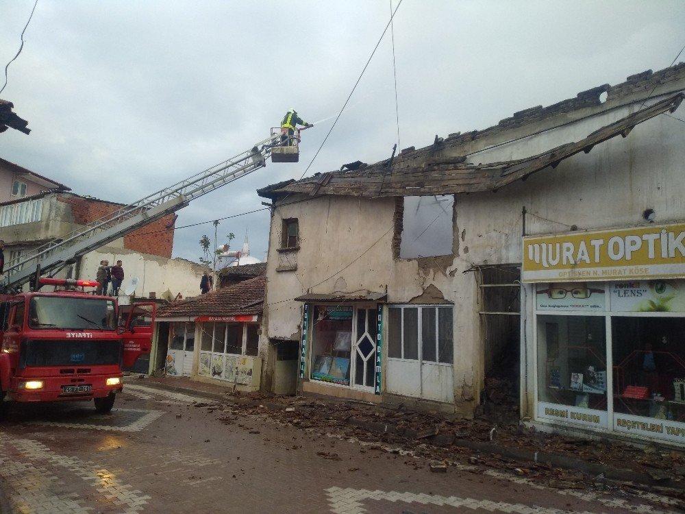 Manisa'da Ev Yangını Korkuttu