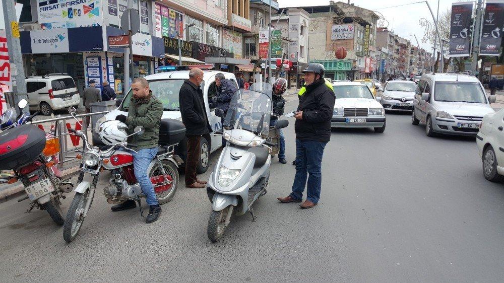 Denetimler İşe Yaradı Kasksız Motosiklet Kullanan Çıkmadı