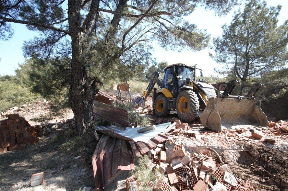 İzmir'de Orman İşgaline Geçit Yok