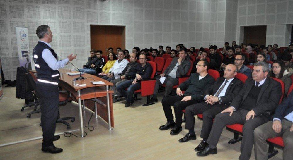Kütahya Teknik Bilimler Myo'da Temel Afet Bilinci Semineri