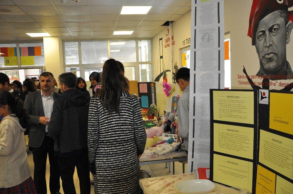 Sincik'te 'Tübitak 4006 Bilim Fuarı' Sergisi Açıldı